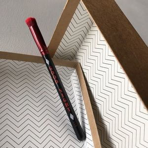 5 for $25! Luxie Harley Quinn Brush #110